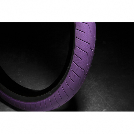 KINK Sever 2.4 purple with black wall Tire