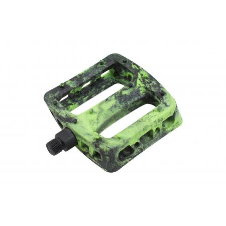Odyssey Twisted PC black with green swirl pedals